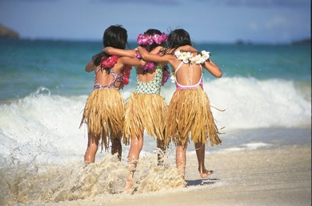 Honolulu-Hula-Girls-Beach
